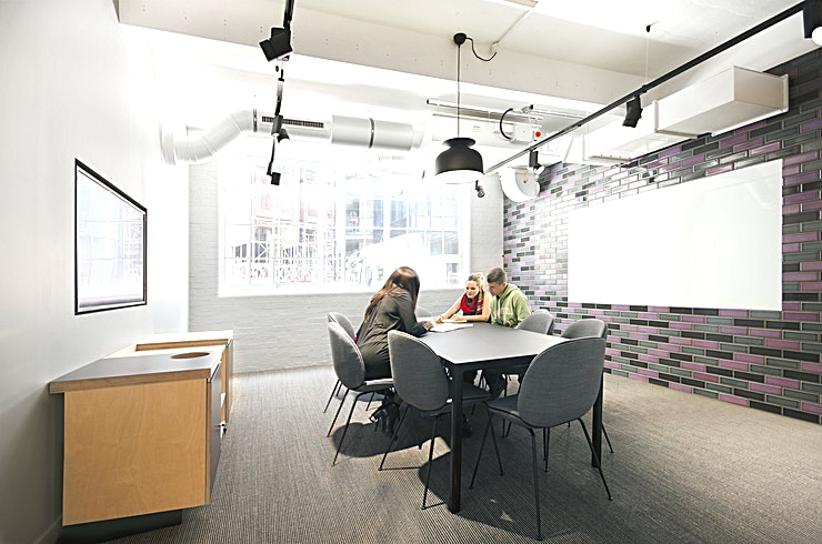 The Export Room **Hire the Export Room at Workspace Cargo Works for your next meeting room in Southwark.**   Located adjacent to the main communal area, The Export Room is flooded with natural light thanks to the h