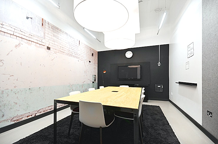 Puff **Want a top West London meeting room to hire? Welcome to the Canalot Studios owned by Workspace.**   Puff can be found tucked behind the main cafe, ensuring that your meeting isn't disrupted by ext