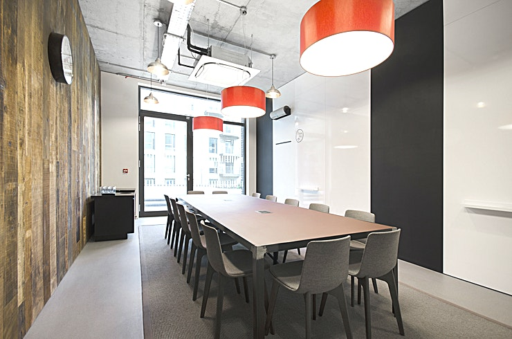 Rosie **Want state of the art meeting rooms in West London? Welcome to the Grand Union Studios by Workspace!**   This stylish 14 person meeting room has an exposed timber wood finish and terrace access, and
