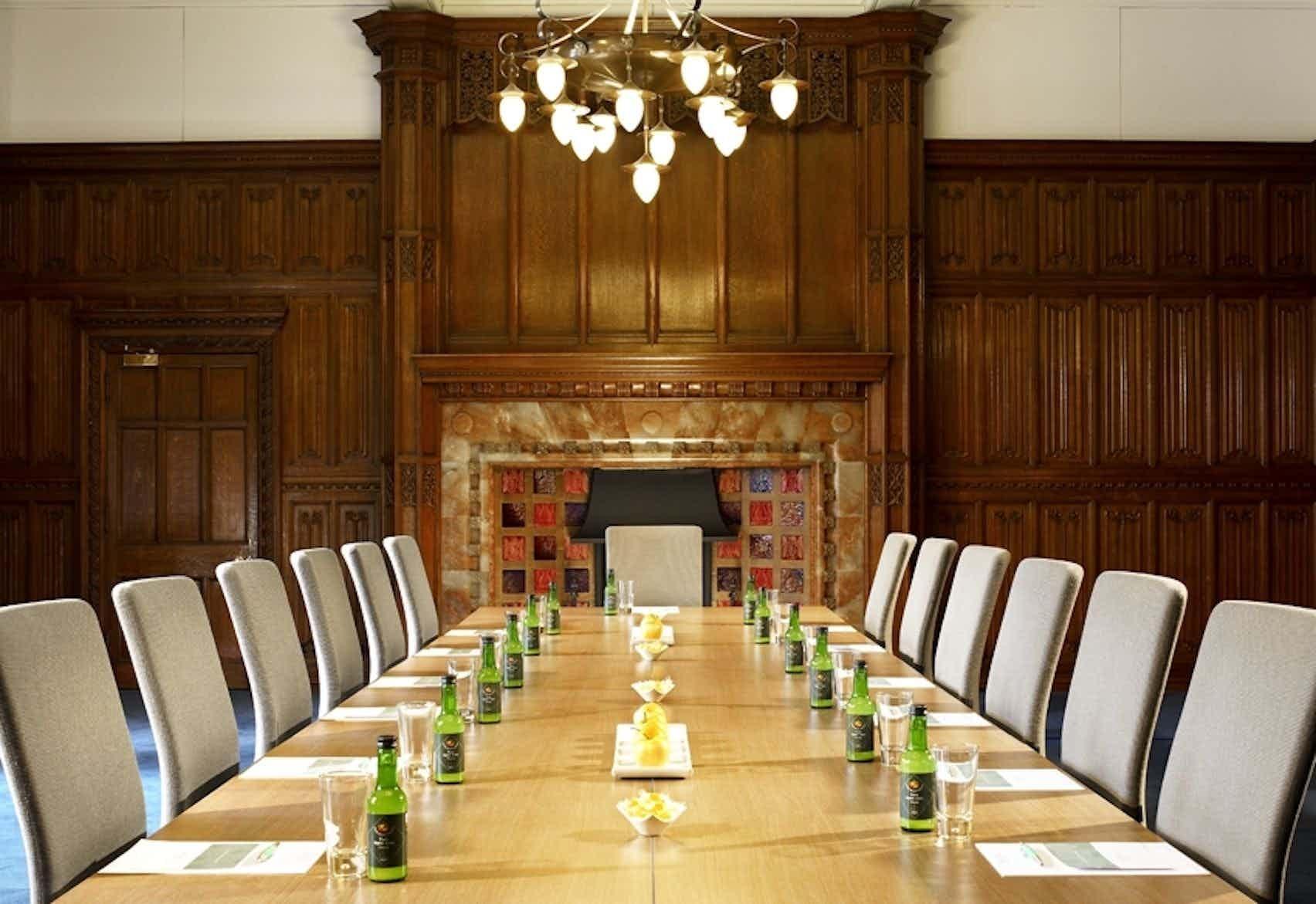 Boardroom, De Vere Holborn Bars