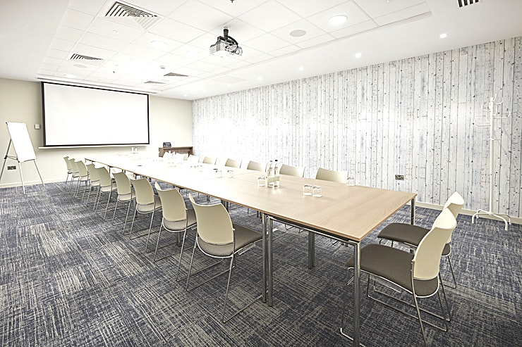 Meeting Room 5 **Meeting Room 5 at Marlin Waterloo is one of the best meeting rooms London has to offer you and your Guests.**   Marlin Waterloo's brand new meeting centre boasts excellent travel links, being just a minute's walk from Lambeth North Station and 10 minutes from Waterloo Station. The meeting rooms benefit from flexible layouts, meaning that they can be adapted to hold a wide variety of meetings and events. The meeting centre also possesses a spacious central breakout area, featuring various comfortable seating areas, making it the ideal space to greet your guests or recharge with a cup of coffee.   Meeting Room 5 is suitable for conferences, meetings, seminars, training sessions, workshops, exhibitions, rehearsals and corporate events of up to 75 individuals.