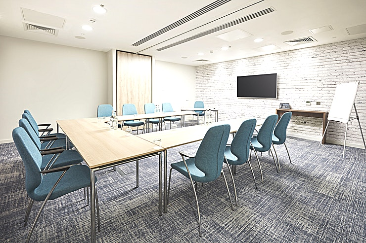 Meeting Room 3+4 **Hire Meeting Rooms 3 and 4 at the Marlin Waterloo for one of the best options for meeting room hire London has to offer!**   Marlin Waterloo's brand new meeting centre boasts excellent travel link
