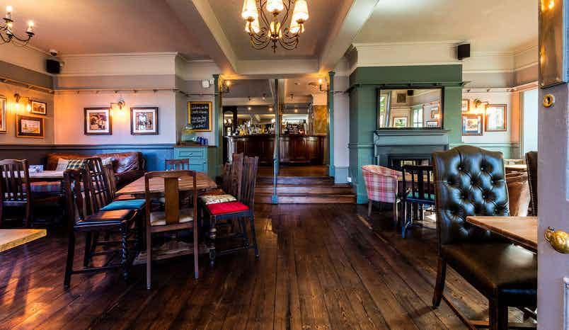 Lounge Bar, Coach & Horses, Isleworth