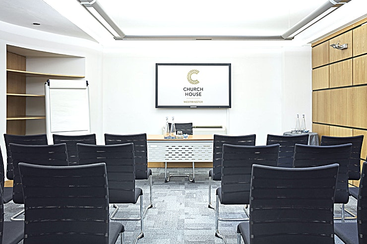 Temple Room **Hire the Temple Room at the Church House Westminster for one of the best options for meeting room hire in London.**   Located on the lower ground floor, the Temple Room is 34 square metres and is one of three small rooms purpose built for meetings, training and workshops. It has its own projector and screen and can be used individually or in conjunction with our Ramsey Room and Coggan Room.