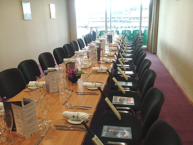 Single Executive Box **Hire the Single Executive Box at the Kia Oval Cricket Stadium for one of the best options for corporate venue hire London has to offer.**  There are over 25 Executive Boxes at the Kia Oval, each of which can accommodate up to 24 guests. These suites, on the third floor, are perfect for smaller board meetings, interview rooms or staff offices for larger events. All of the boxes include a plasma screen for presentations and have access to individual balconies with seats overlooking the pitch. There is air-conditioning and Wi-Fi in every box.