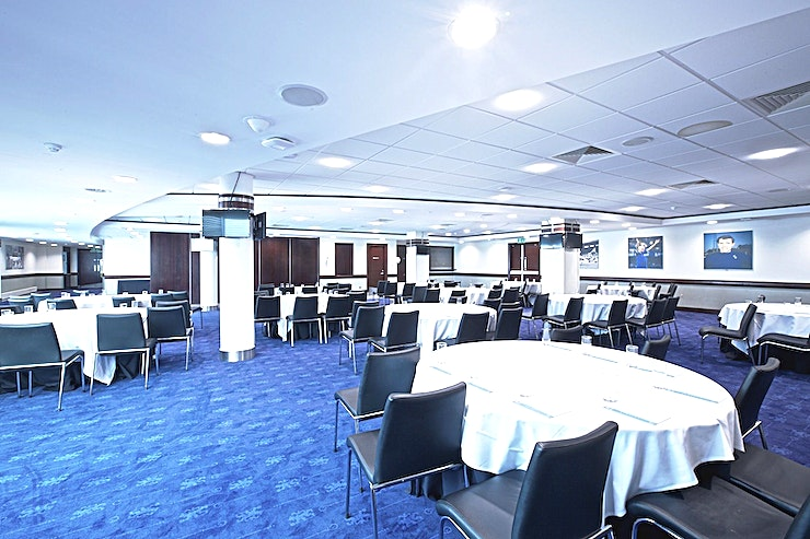 Hollins Suite **The Hollins Suite at Chelsea Football Club is a versatile, spacious and much sought after event Space for hire in West London.**  Purpose-built event facilities with all of the modern amenities one can come to expect for events of up to 350 delegates, the Hollins, Tambling, Bonetti and Clarke suites offer convenient and professional spaces.   Complete with a cloakroom, Wi-Fi, private bar and natural light, each suite is guaranteed to impress your guests.