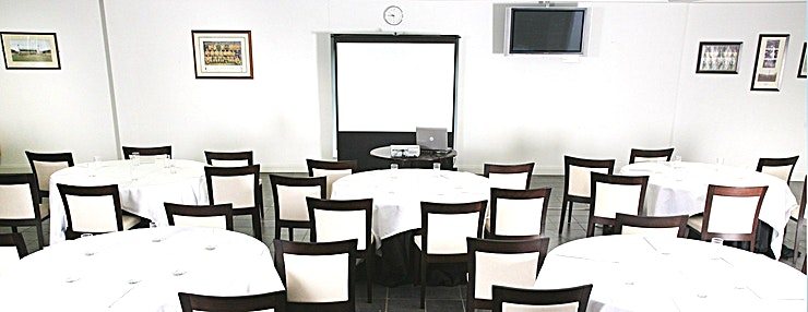 Club 101 **Welcome to Club 101 at the Norwich City Football Club  Norwich City Football Club is the perfect location for meetings and conferences of all sizes from 15 to 350 delegates. We have a variety of r