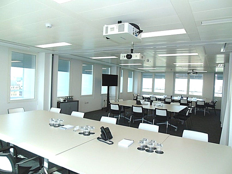 Langham **Hire the Langham meeting room in Cavendish Square for your next productive day out of the office. Brought to you by Landmark - a company who create professional workspaces for people who want to wor