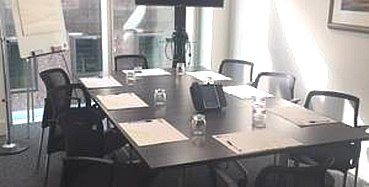 Brushfield (14) **Hire the Brushfield (14) meeting room at Landmark Bevis Marks - for a unique meeting room to hire in London.**   A 16th floor Covered Roof Garden for events. Landmark offers a range of quality Mee