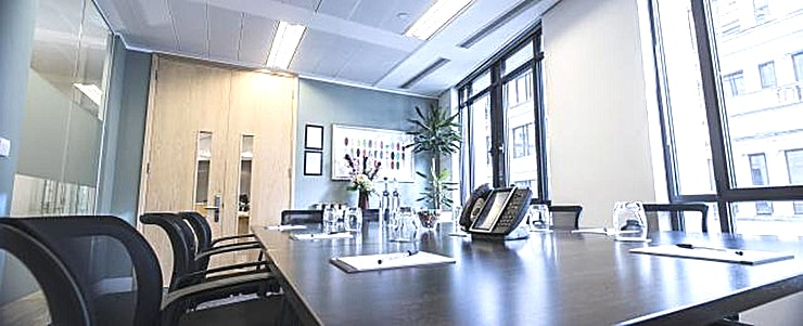 Faenum **Need a meeting room right by Fenchurch Street? Welcome to the Faenum meeting room courtesy of the Landmark team.**   Looking for a small private meeting room in the City of London? Give your clien