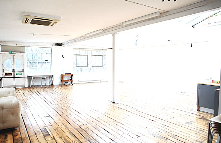 Studio **63 Sun Studio is a beautiful daylight and blackout photographic studio located in De Beauvoir, just minutes from Dalston and Haggerston. This is a professional studio perfect for photography shoot