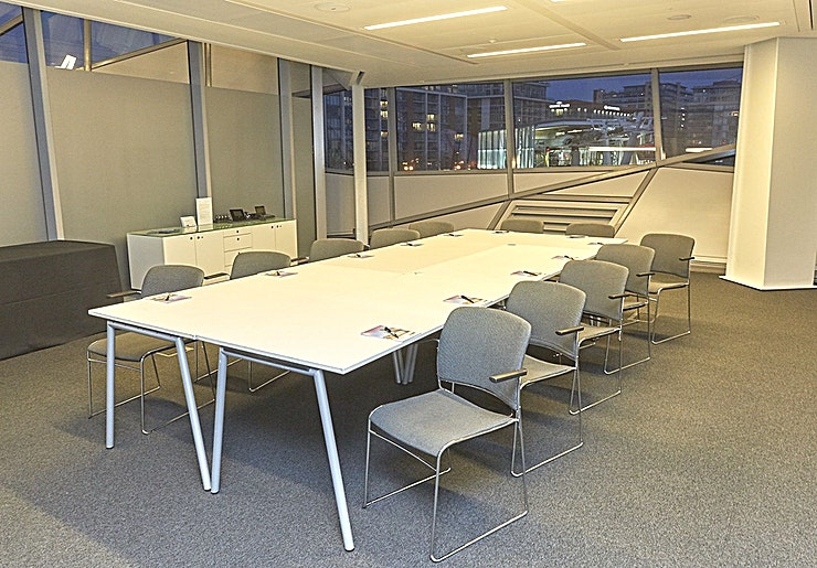 Room 1 **Room 1 at The Crystal is one of the best options for meeting room hire London has to offer.**   Welcome to the Crystal, a sustainable cities initiative by Siemens. The Crystal in London is home to the world's largest exhibition on the future of cities, as well as one of the world's most sustainable buildings and events venues. Room 1 at The Crystal is perfect for meeting room hire in a Space that can seat up to 20 delegates for a boardroom style meeting. Whether that's a creative brainstorming session with your internal team, or a meeting with important clients and business prospects - Room 1 has everything you need!  --PLEASE NOTE THIS IS A DRY HIRE FEE--