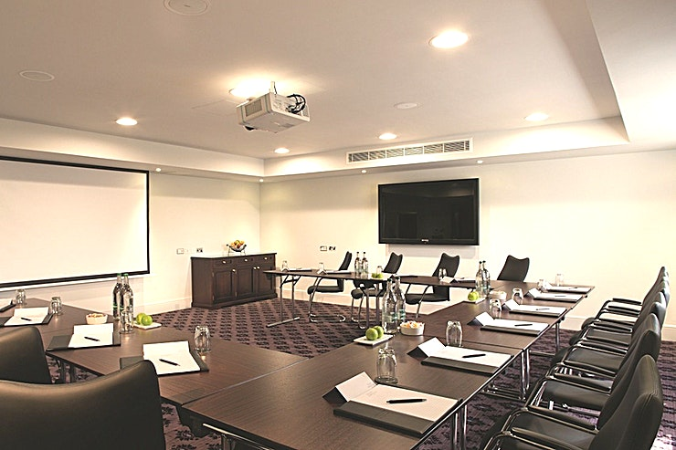 Cleveland  **Hire the Cleveland Room at the Bailbrook House Hotel for one of the best options for venue hire Somerset has to offer!**   The Cleveland is well placed to serve meetings, events, training and conferences. It offers a large touch screen smart board with direct internet access, LCD screens, built-in audio equipment, lots of natural daylight and flexible room layout.