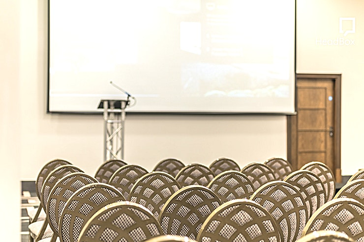 Chambers 1-5 **The Chambers is the ideal London venue hire for anyone looking for the rarity of an exceptionally large events Space.**   Right in the centre of Shoreditch you'll find The Chambers with the main s