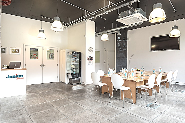 Meeting Room **Jenius Social is a fantastically flexible and creative space to hire  in London that brings your business meetings or event workshops to life.** 
