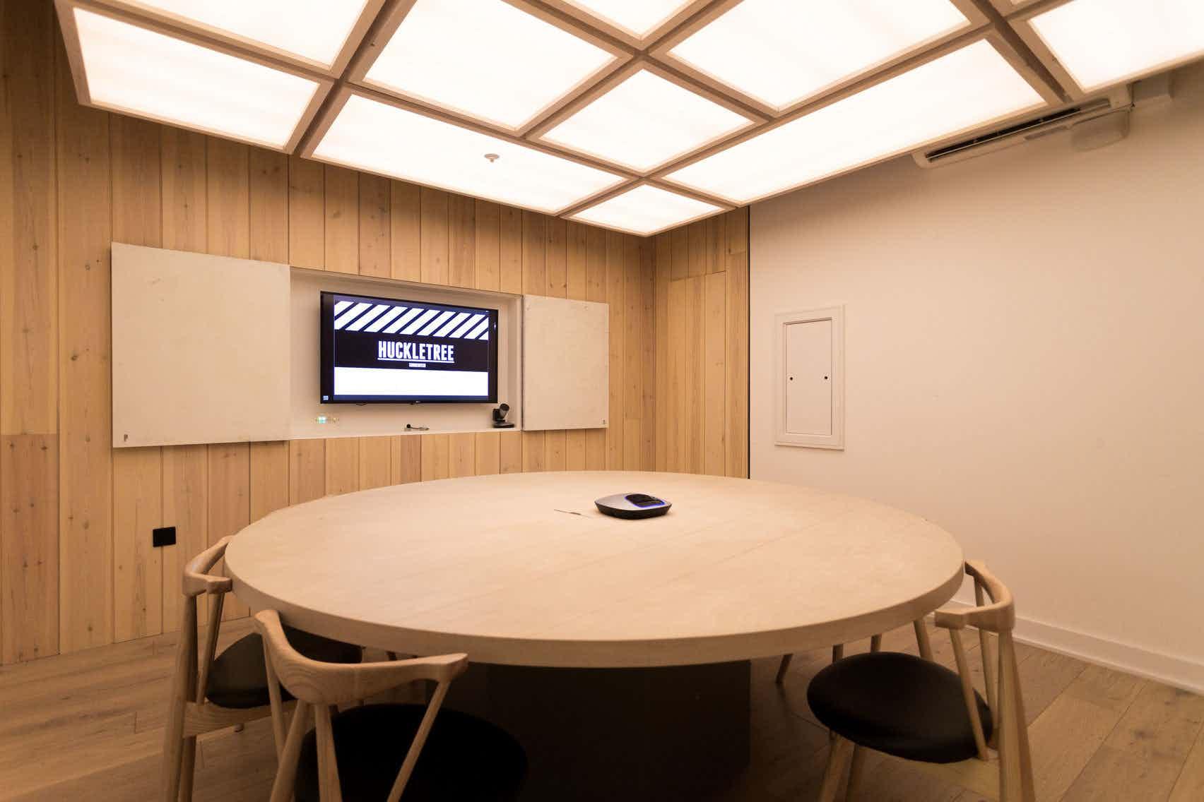 Fair Oaks Meeting Room, Huckletree Shoreditch