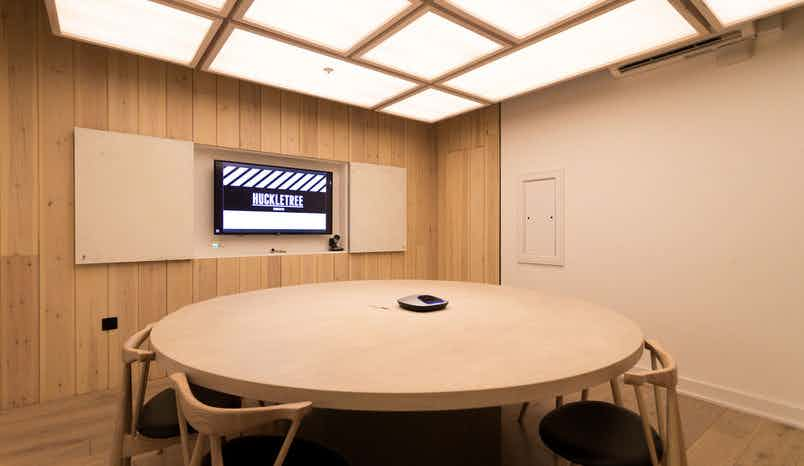 Fair Oaks Meeting Room, Huckletree Shoreditch