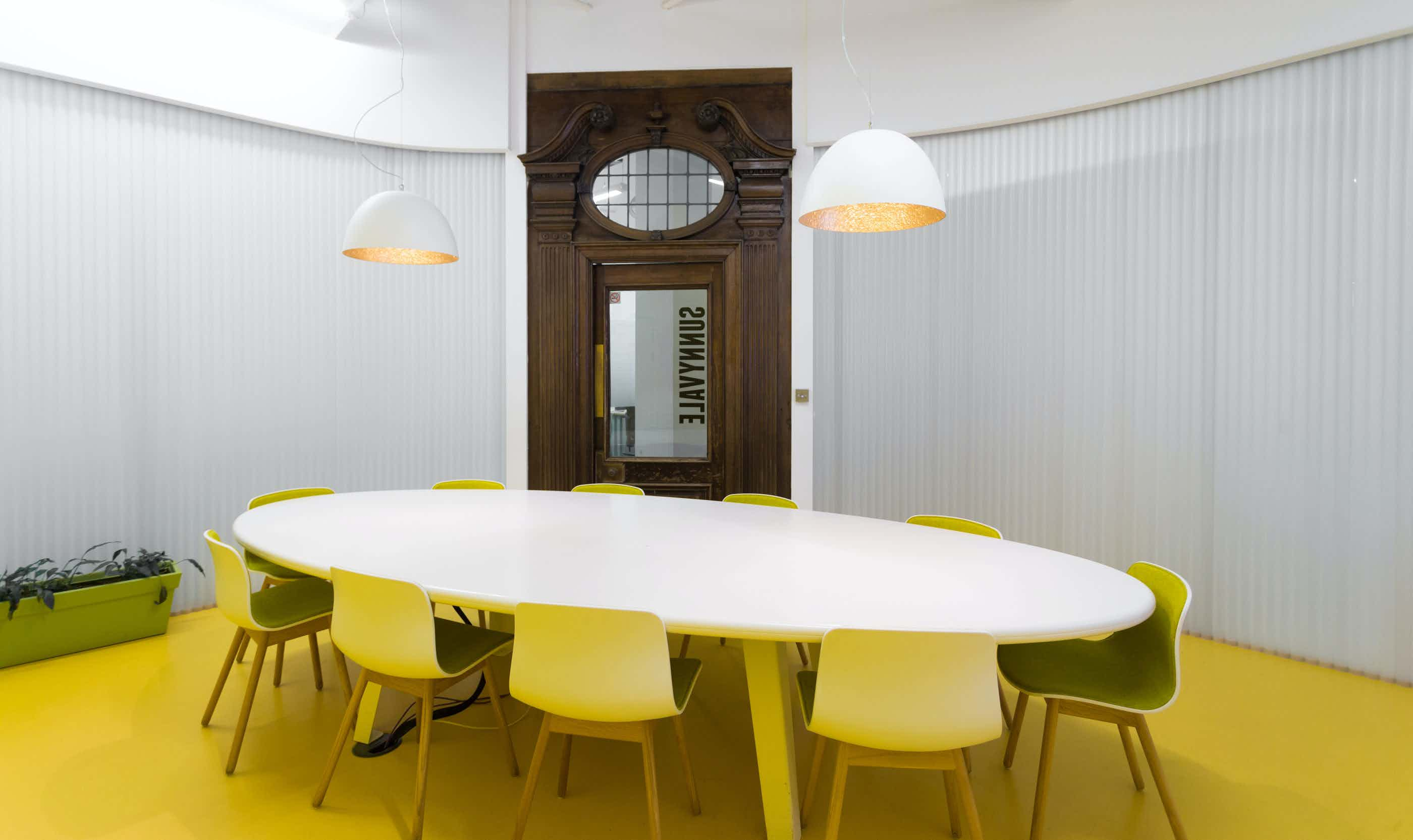 Sunnyvale Meeting Room, Huckletree Shoreditch