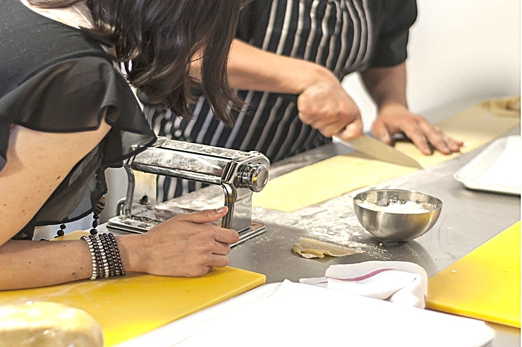 Team Building Activities **Jenius Social in Islington is a unique London venue hire and is an inspired choice for your next team building activity.** 