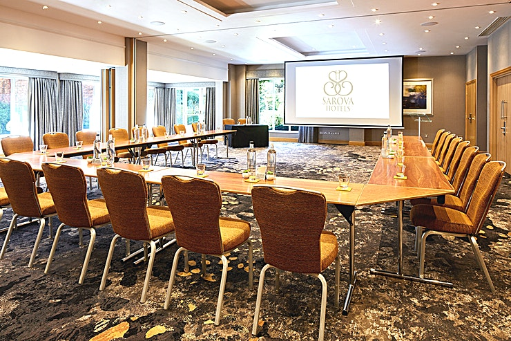 Thames Suite The Thames Suite is the largest and lightest meeting room. A private entrance and car parking make it suitable for conferences, cocktail receptions and
