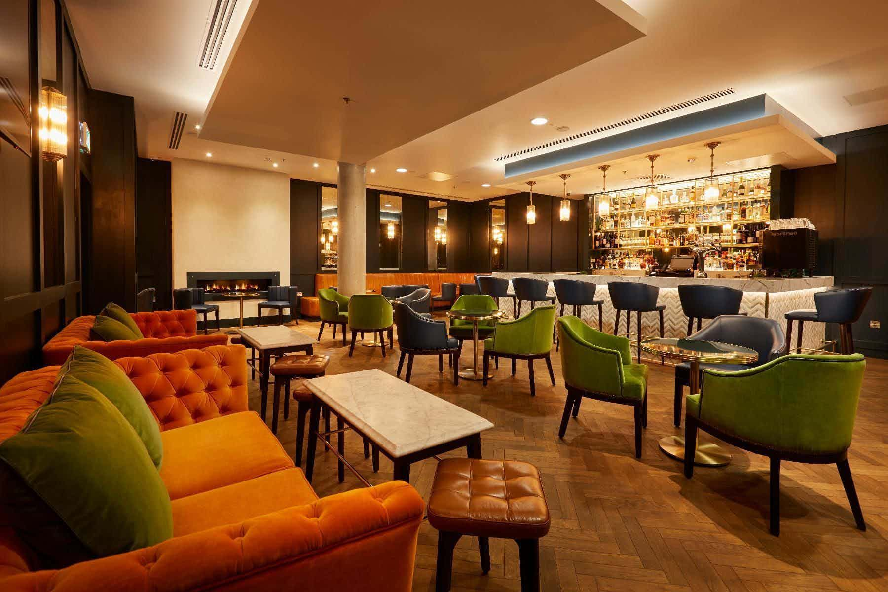 The Chaplin Bar, Marlin Waterloo