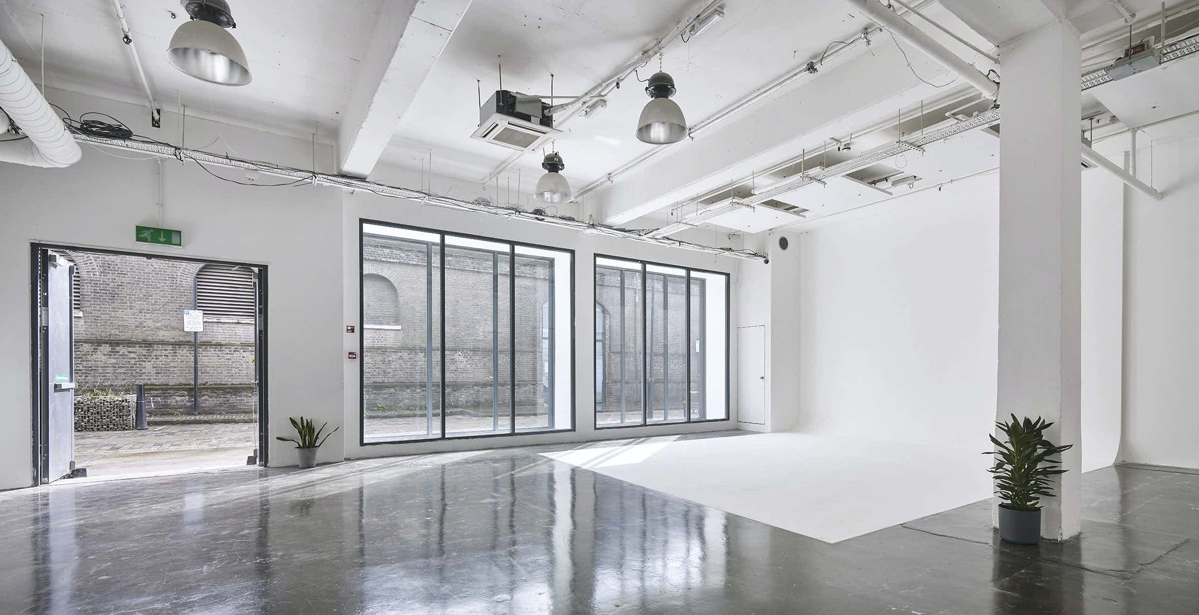 White Studio, Studio Spaces E1