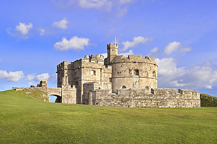 Venue Hire **Want to hire an iconic venue in Cornwall? Welcome to the Pendennis Castle owned by the amazing team at English Heritage.**   English Heritage care for palaces, historic houses, hill figures, castl