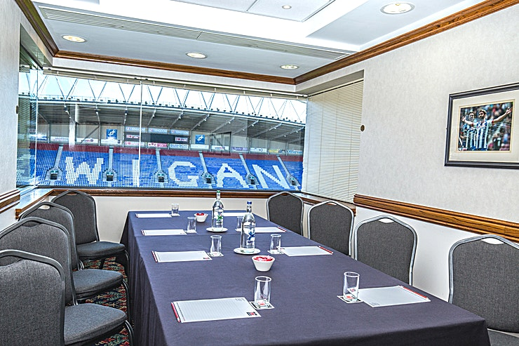 Executive Boxes 1 - 4 All four Executive Suites enjoy views of the pitch. With a light and airy atmosphere, natural daylight and air-conditioning, theses suites are ideal for meetings, interviews, private dining and syndicate/workshops.