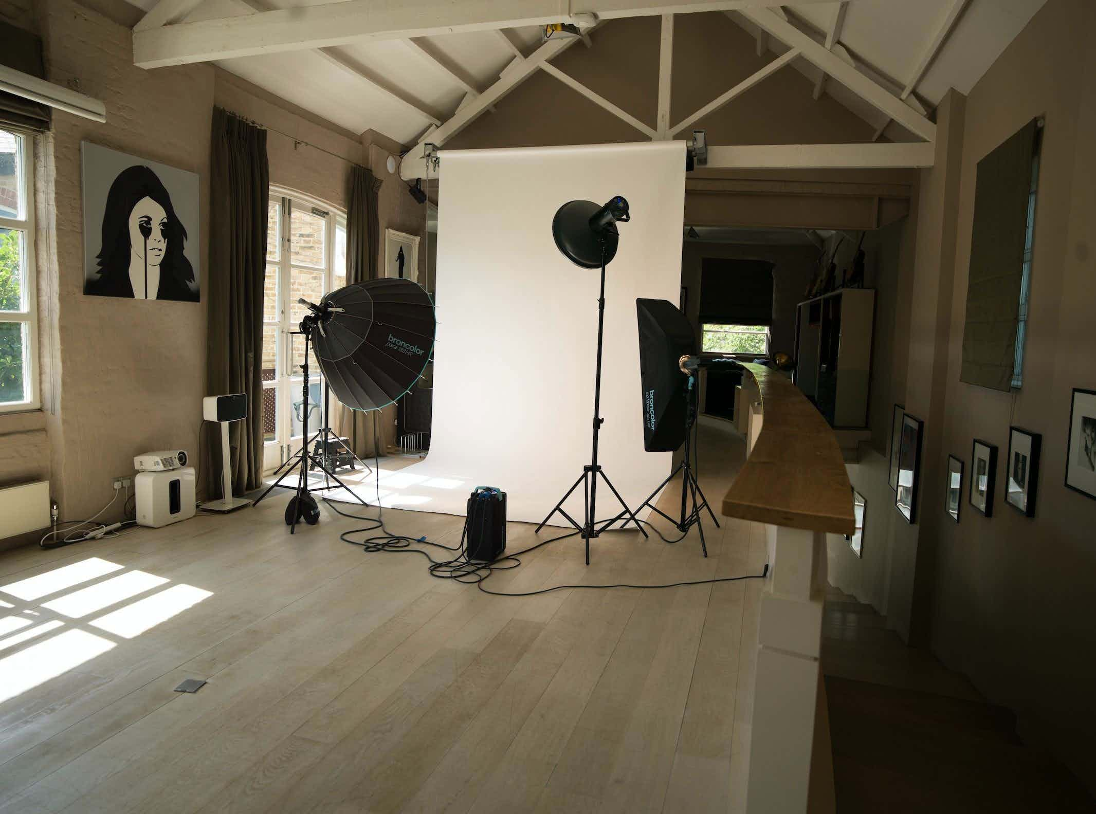 Photography Studio, Filming space, Event Venue , I AM London