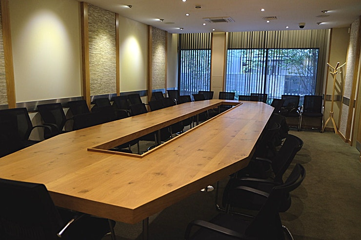 Conference Room **Hire the Conference Room at Costa Coffee Caledonian Rd for your next conference, meeting or workshop in London.**   This is a fantastic conference room at Costa Coffee Caledonian Road which suits inside a Costa Coffee store. This London conference room is a one min walk from Caledonian Road tube station so just one stop from Kings Cross.  It can seat 25 people around the main table; with an extra 12 seats as well making it ideal for meetings/conferences.    Treat your Guests with the comfort of having an active Costa store available. As well as a fully functional HD projector, flipchart and air conditioning all available 6:30am-8pm every day.