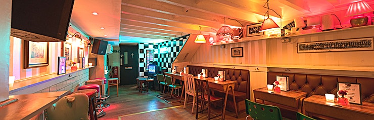 Function Room Hire **Hire the function room at Simmons | Kings Cross for your next event in London.** 