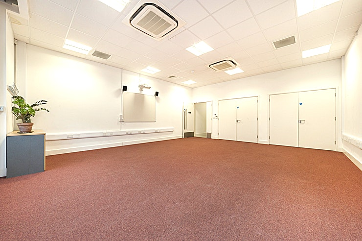 Workshop Space **Hire the Workshop Space at The Arc Centre for a unique venue hire in London**  Book The Workshop Space at The Arc Centre for a versatile venue hire. The room can be laid out for your specific even