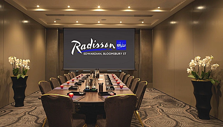 Private Room 2 **The Private Room 2 can host a stylish boardroom for up to 30 delegates.**