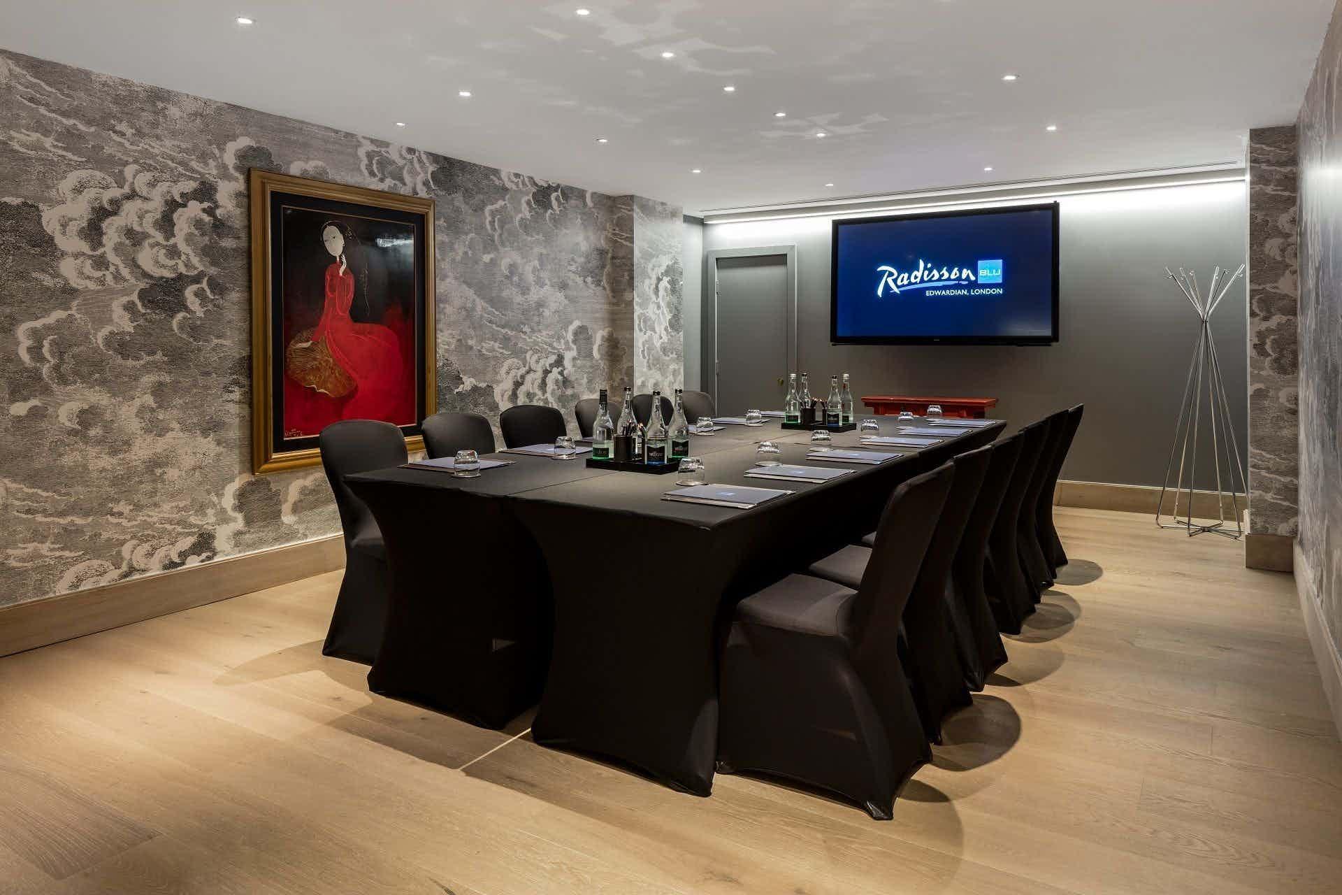 Private Suite 3, Radisson Blu Edwardian, Hampshire