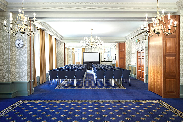 The Hardwick **The Hardwick at 113 Chancery Lane is perfect for corporate venue hire near you!**  This light and airy suite of three interconnecting fully soundproofed rooms overlooks the Royal Courts of Justice and offers an exceptionally flexible event space. Each of the three interconnecting rooms, The Hardwick 1, 2 and 3, are ideal for presentations, seminars, breakout spaces and meetings and all are fully equipped with built-in AV.