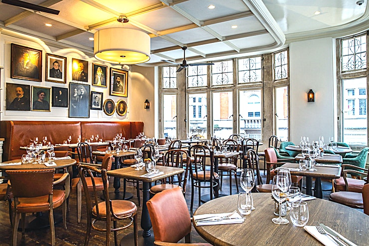 The Coach Makers Arms Pub Marylebone **Hire The Coach Makers Arms for a fantastic venue hire in London**  Situated just off Marylebone High Street and in the heart of the West End, The Coach Makers Arms Pub was built 140 years ago on wha