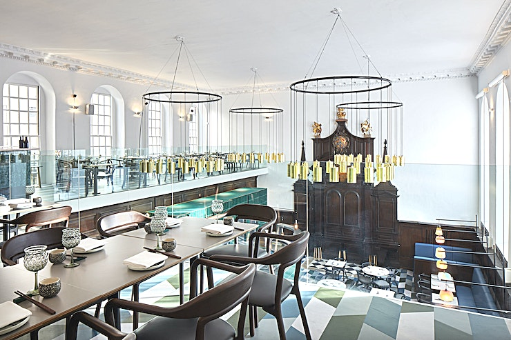Mezzanine Level **Housed within the early 18th century Grade II-listed St Thomas' Church mere minutes away from London Bridge station, Duddell's is the perfect blend of historic and modern.**  Situated on the first floor, the Mezzanine level is the perfect space for sit-down dinners and standing events alike. With a stunning view over the ground floor restaurant, your guests will be able to absorb the design and art elements throughout the venue. The L-shaped Mezzanine works perfectly for both small, intimate dinners and larger events, as it can be booked exclusively (for up to 52 guests seated, up to 100 guests standing) or split into two semi-private dining areas (for up to 30 guests seated).  Drawing from Duddell's Hong Kong, the menu comprises a collection of bespoke, authentic Cantonese dishes. Using traditional Cantonese inspiration, our dishes have been elevated using the most refined ingredients or have been left untouched, staying true to their Chinese heritage. We offer tailored shared dining and creative canapé menus which enhance any special event.