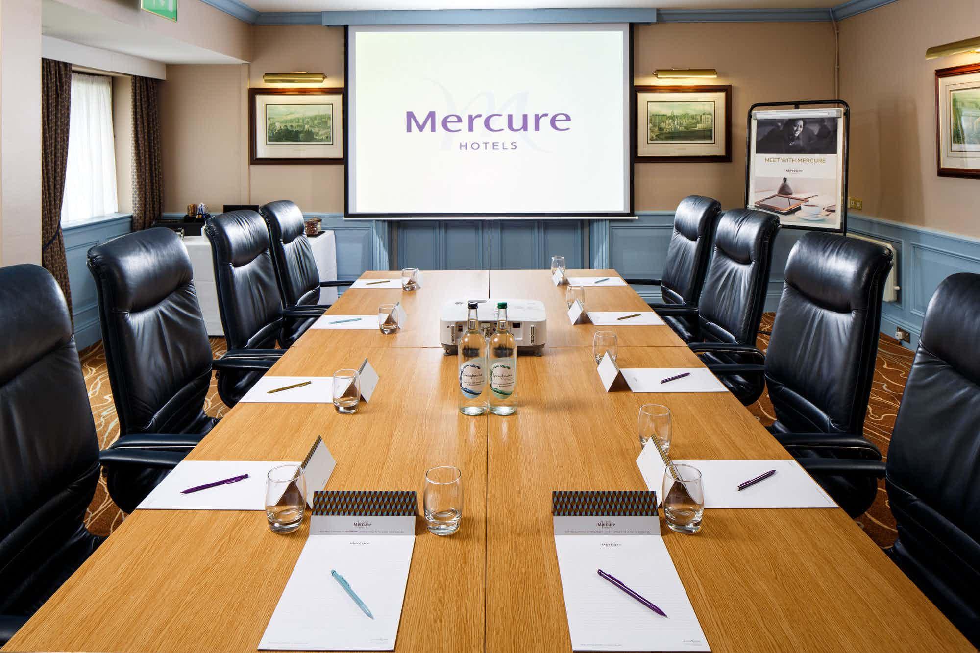 Boardroom, Mercure Livingston Hotel