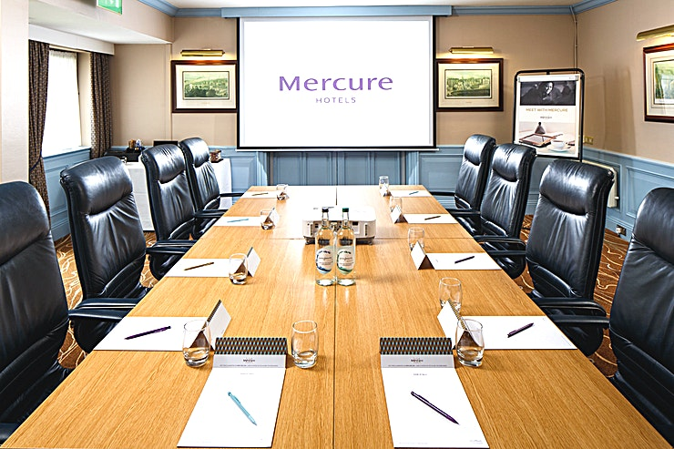 Boardroom **For a meeting room venue just outside of Edinburgh, the Mercure Livingston Hotel is a top choice for you**