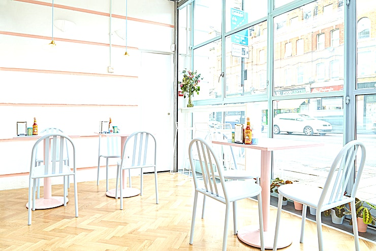 Café **For a beautifully decorated venue, ideal for interviews, breakfasts and much more, Café Miami is ideal**