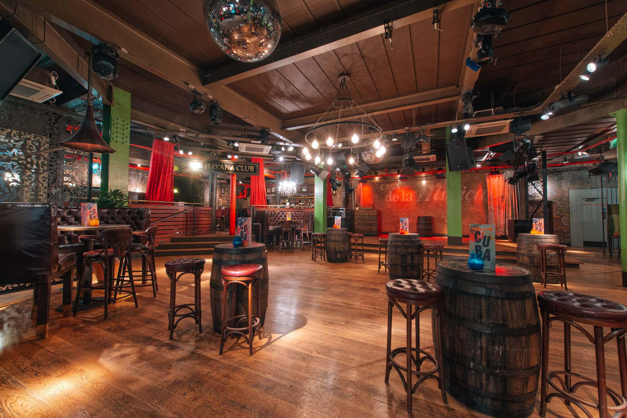 Bacardi Bar, Revolución de Cuba Manchester