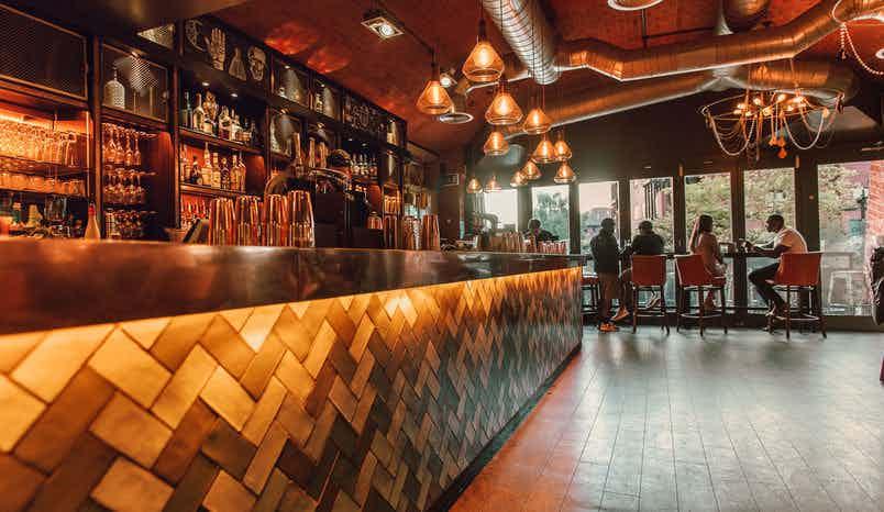 Bar, Aluna Birmingham