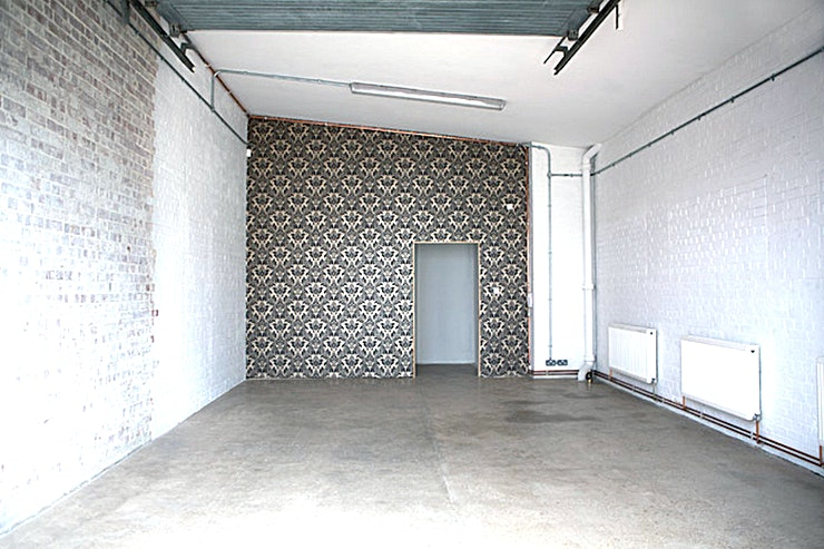 Studio Two **Hire Studio Two for a versatile photography and blank canvas Space**  Studio Two is the Bow Bunker's smaller, flexible studio Space with several different shooting options.  Featuring a polished