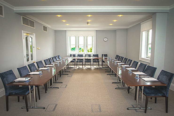 Trafalgar Room **If you're looking for a highly versatile meeting Space, the Trafalgar Room at Arundel House is ideal**  Arundel House is located opposite Temple underground station and overlooks the River Thames.   With fantastic views of some of London's most iconic landmarks, and easily accessible from Temple, Embankment and Blackfriars stations, Arundel House makes the perfect venue for your next meeting or private event.  The Trafalgar Room presents a wonderful bright room, offering an abundance of natural daylight.   This Space is flawlessly suited to meetings, seminars, lunches, dinners and small drinks receptions.  For any corporate event, the Trafalgar Room at Arundel House is a prime option.