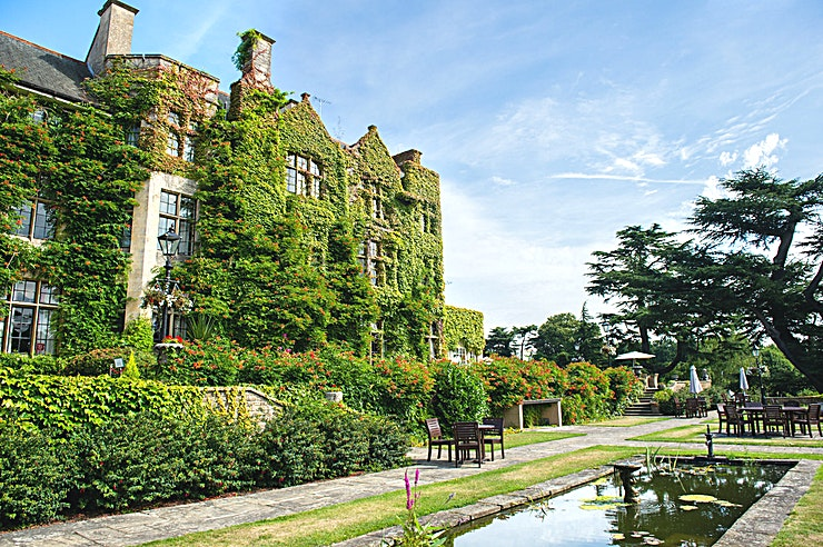 Exclusive Use **Hire the whole of Pennyhill Park for yourself and your guests for a distinguished venue hire in Surrey**  Exclude all outside distractions and enjoy exclusive use of your very own country house ho