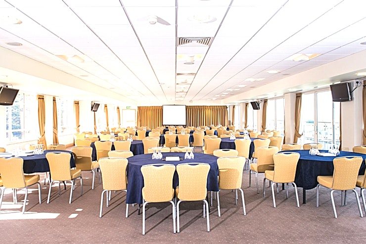 Park View Suite **The Park View Suite at Sandown Park Racecourse couldn't be a more perfect venue hire in Esher**