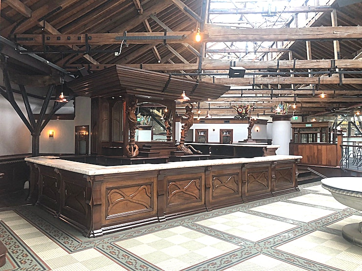 Quayside Bar **Hire Quayside Bar at London's historic Tobacco Dock for your next event**  Part of the historic docklands area of East London, Tobacco Dock features a vast variety of indoor and outdoor Spaces.