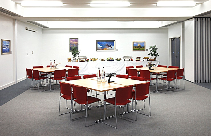 Vulcan **Planning a team conference with an edge? Vulcan at IWM Duxford is the ideal Space.**