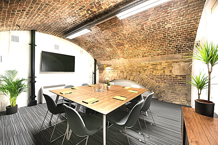 Brunel **Hire Brunel at Tobacco Dock for your next meeting room hire in London**   Just a 10 minute walk from Tower Bridge and with excellent access to the City, and Canary Wharf a meeting room hire at Tobacco Dock is an ideal choice when you need additional Space away from the office.   The Brunel meeting room is part of The South Dock Meeting Room Suite. This area is comprised of four large meeting rooms giving onto a stylish and spacious lounge.   This is ideal to use alone or as part of a package with the nearby Dock Gallery to provide breakout or workshop space.  All the meeting rooms offer fast and secure WiFi connections, fully adjustable climate control and top-of-the-range screens and projectors.   When looking for an impressive offsite meeting room, be sure to consider the Tobacco Dock.