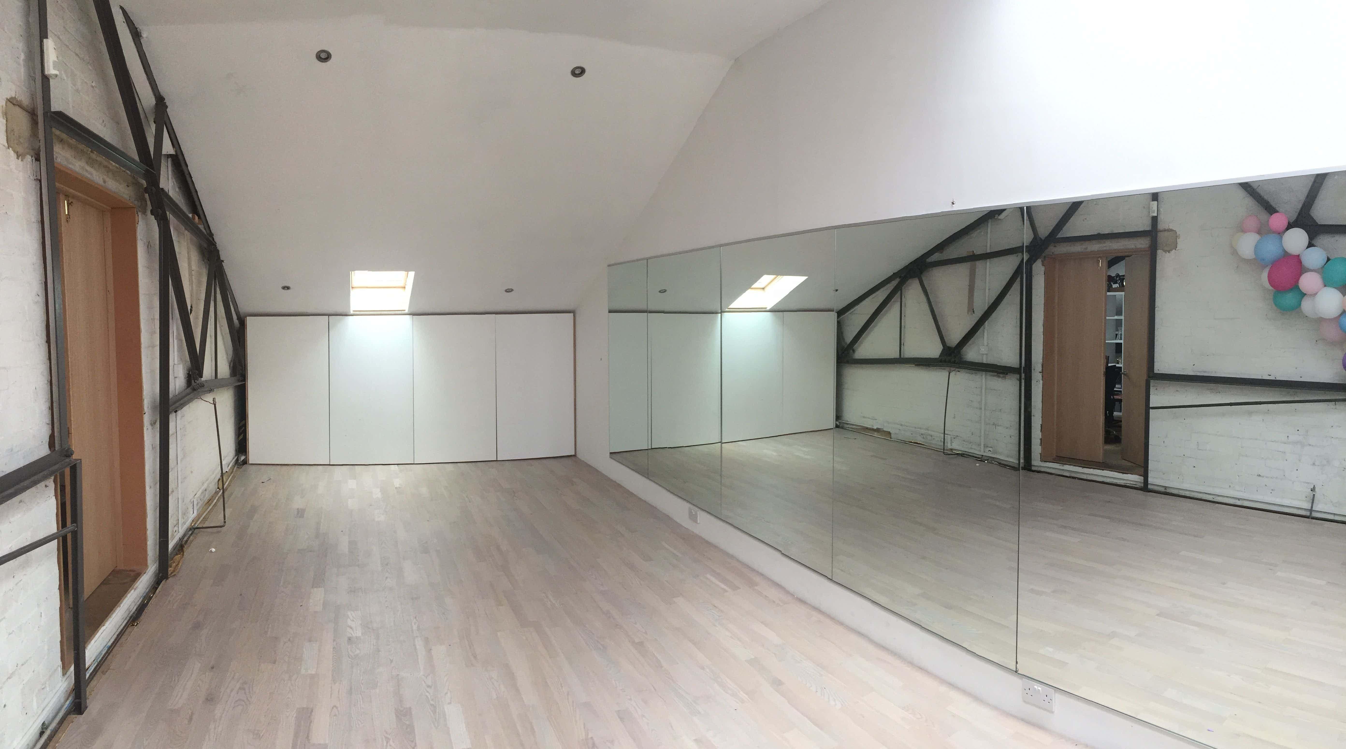 Dance and Photography Studio, Bustle